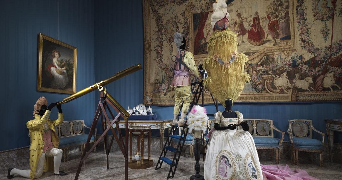 Foto d'allestimento della mostra Napoli Napoli di lava, porcellana e musica al Museo e Real Bosco di Capodimonte, 2019. © Luciano Romano