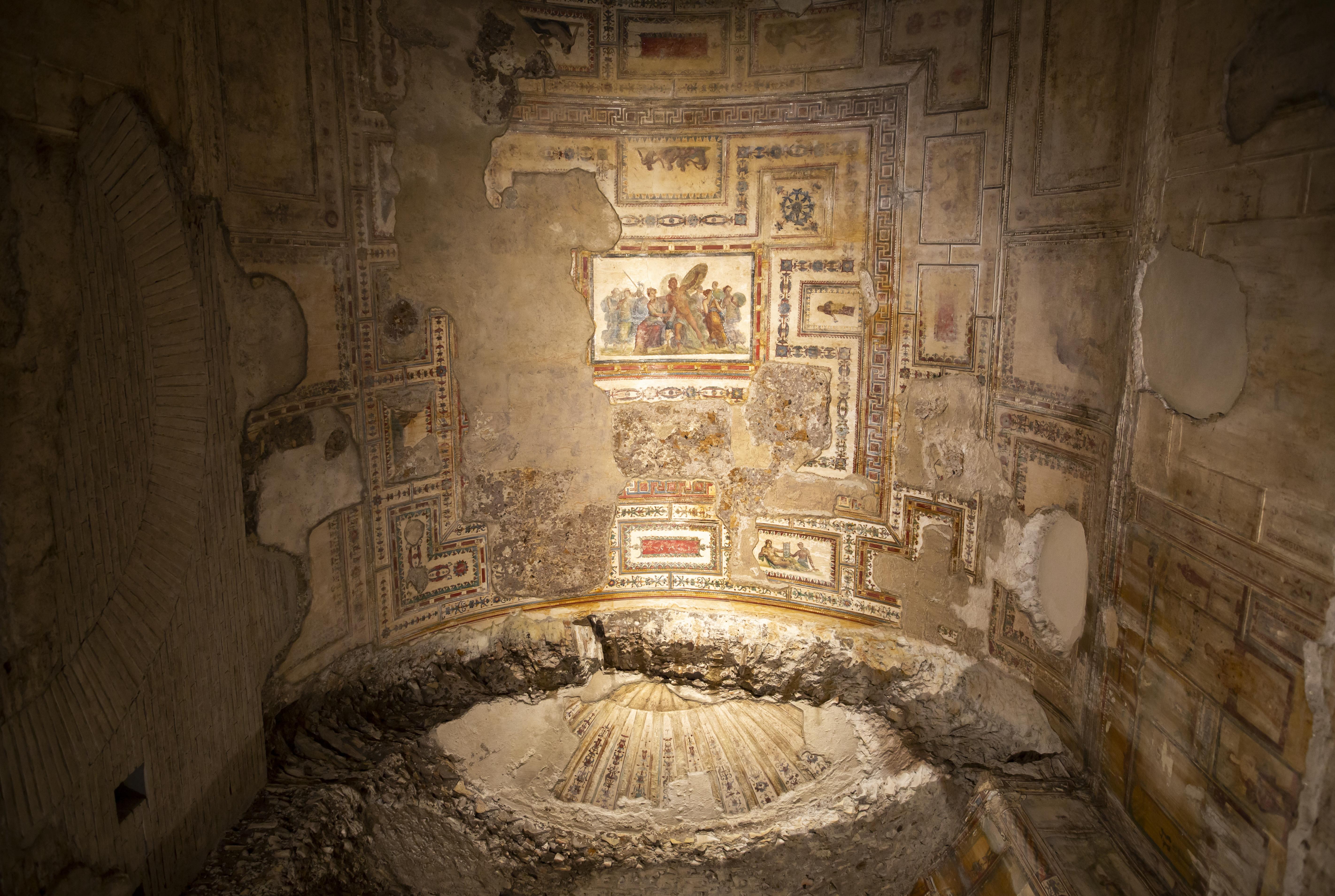 Roma, Domus Aurea. Padiglione di Colle Oppio. Sala 45 (cd. Ninfeo di Ulisse e Polifemo) Crediti: ©ph ERCO illuminazione